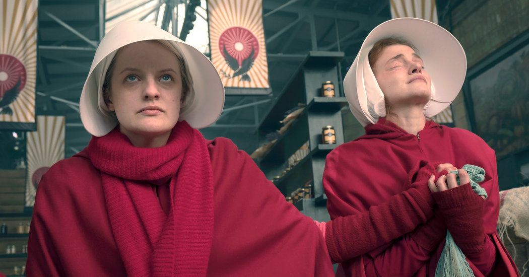 June y Janine en 'The Handmaid's Tale'