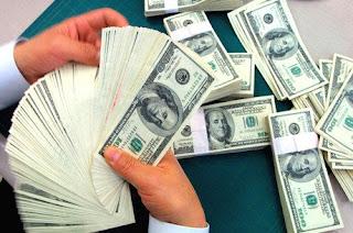 Dólar sobe e fecha a semana cotado a R$ 3,52