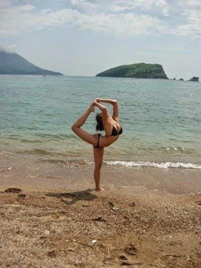 Natasa Stankovic in Bikini Free Download Photos Wallpapers