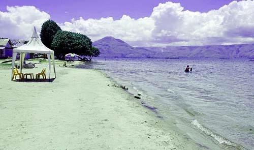 Wisata Alam Pulau Samosir Sumatera Utara