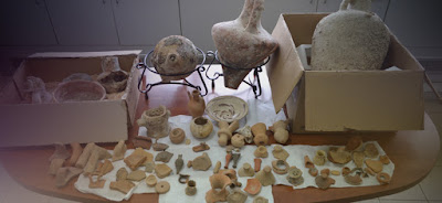 Κρήτη: Ζευγάρι είχε δεκάδες αρχαία αντικείμενα στο σπίτι του