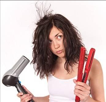 Resultado de imagem para menina hidratando o cabelo