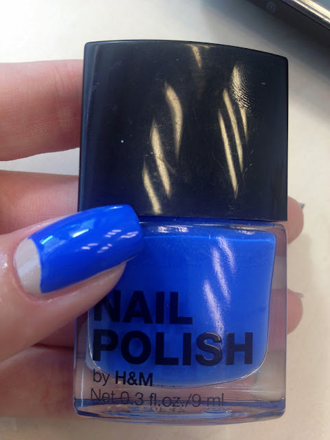 Half moon Mani H&M Blue my mind