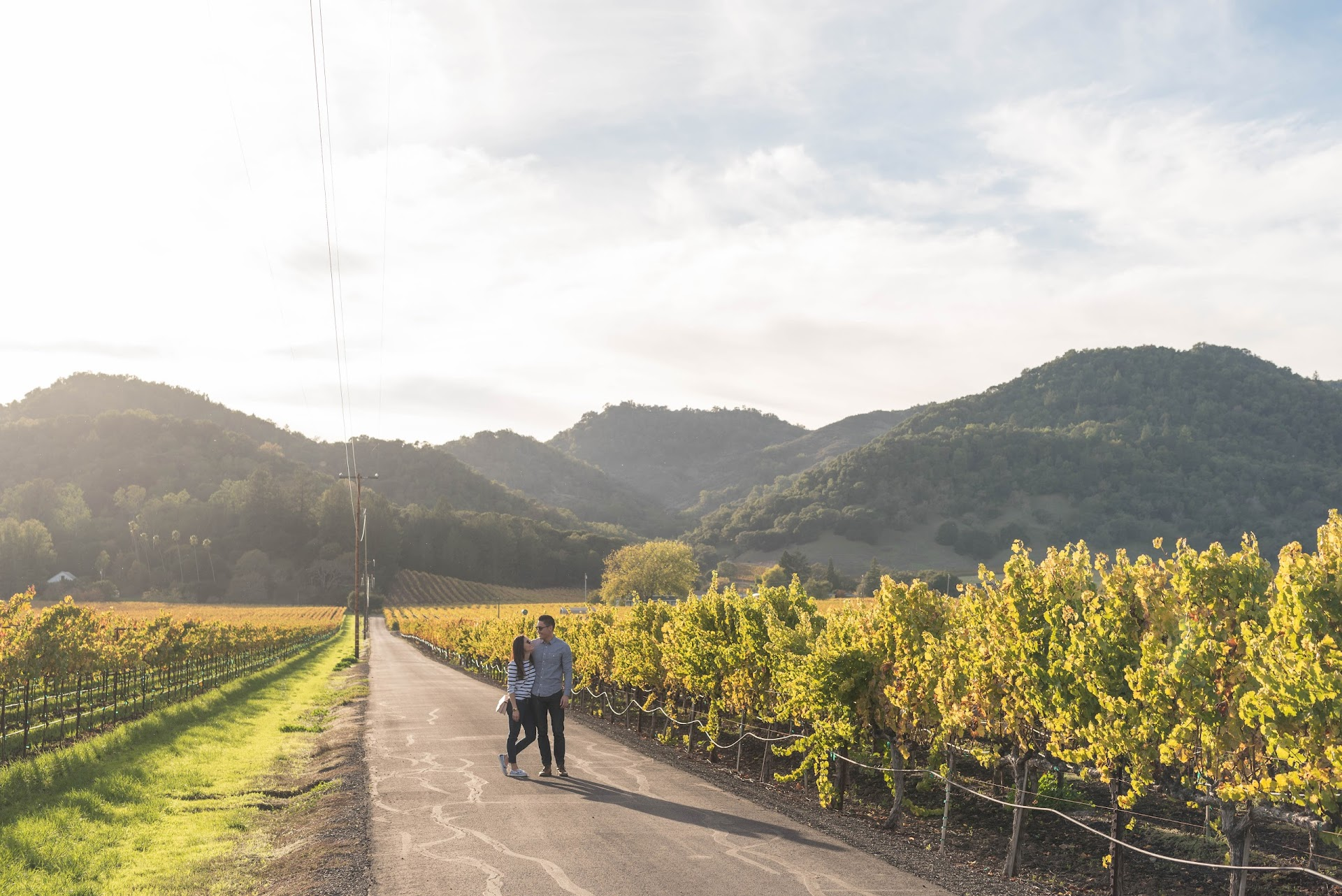 road trip, cheap tips, how to save money on road trips, california, napa valley, yountville, photography, car, vineyards, fall in napa, autumn, couple, travel blog, travel tips