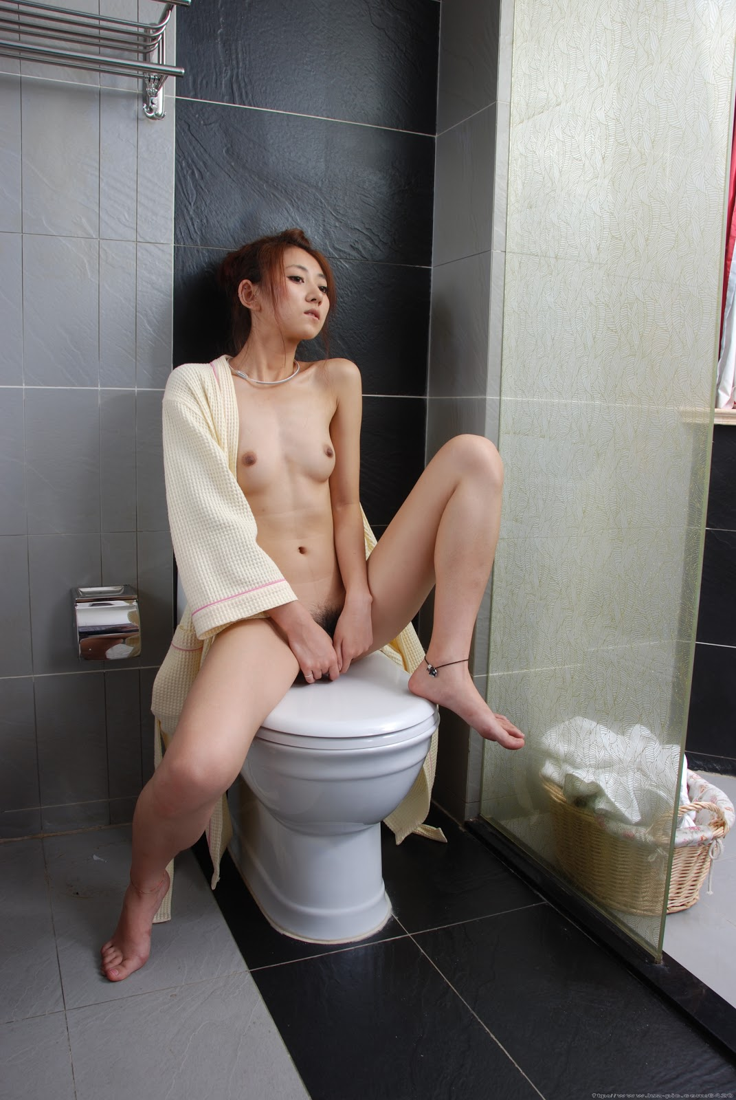 Chinese Nude_Art_Photos_-_251_-_YanFengJiao.rar