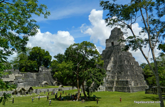 Pirâmides de Tikal, Guatemala - Praça Central e Templo do Grande Jaguar