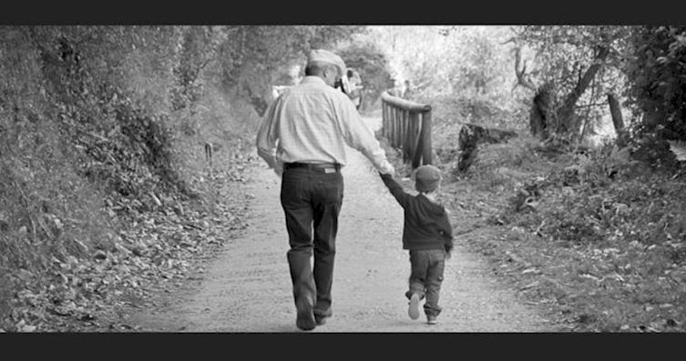 Να βγαίνω με έναν πατέρα, όπως είναι.