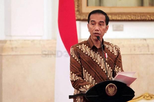 Rupiah Nyaris Rp15.000/USD, Jokowi Bakal Naikkan Harga BBM?
