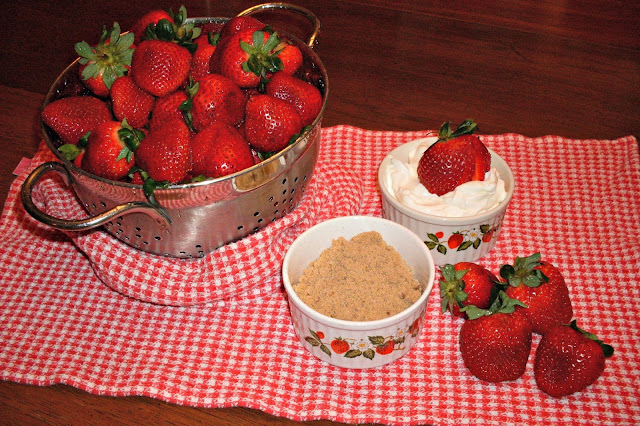 Wordless Wednesday. Recipe for Strawberry Dessert Bar.