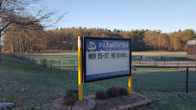 parmenter sign - no school for Thanksgiving weekend