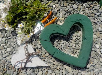 Stroik na grób jak zrobić serce