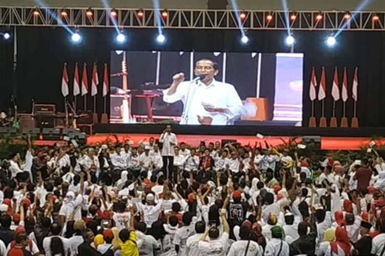 Jokowi di GOR Ken Arok