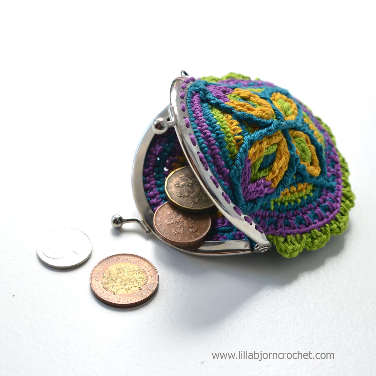 Cretan Butterfly Coin Purse. Original design in overlay crochet by Lilla Bjorn.