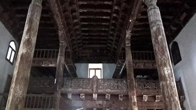 Mahmut Bey Camii (Çivisiz Camii) içi bindirme tekniği ile çivi kullanılmadan yapılmıştır.