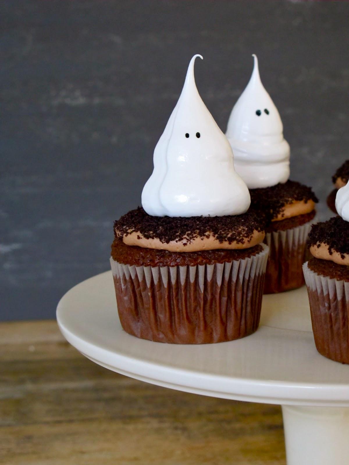 Jenny Steffens Hobick Halloween Cupcakes Ghost Meringue
