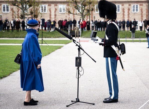 "Queen Margretheattended the Queen's Clock Parade at the Royal Life Guard and presented the ""Queen's Clock"" to one guard"