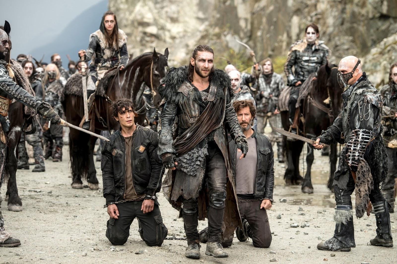 Marcus y Bellamy retenidos por el Rey de Azgueda