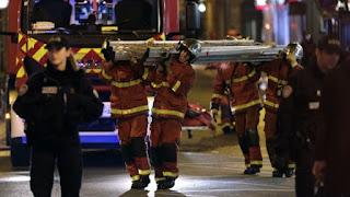 Rescatan a 16 personas que habían quedado atrapadas en el teleférico de un parque temático de EEUU