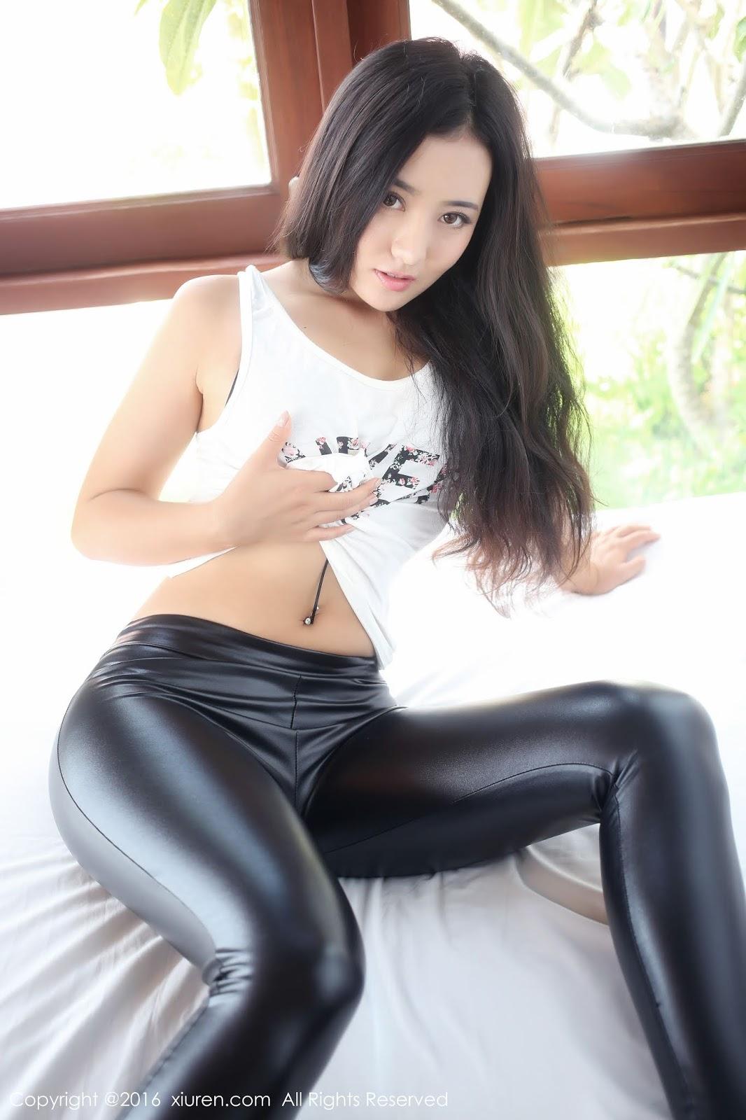 Домашнее фото азиаток в лосинах, секс с катей ублажил меня