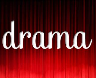 Drama yaitu kisah kehidupan insan yang dikemukakan di pentas menurut naskah Contoh Naskah Drama Persahabatan untuk 6 Orang