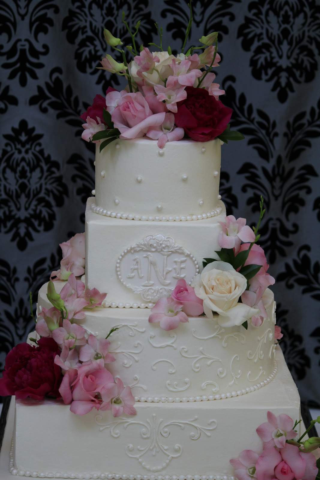 Old World Cake Co., LLC: Wedding Cake with Classic White ...