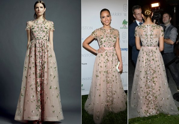 Jessica Alba wore a Valentino Resort 2013 gown. As you know, I live for Princess Moments and this look has more than filled my quota for the month