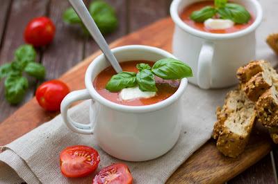 Tomaten-Gin-Suppe