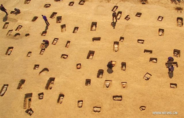 Ancient child tombs found in China