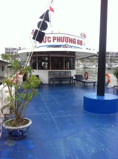 Tour thuê tàu du lịch Hạ Long Víp