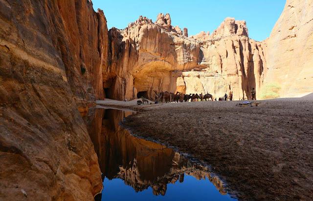 """Guelta d""""Archei, o cânion dos Camelos de Chade"""
