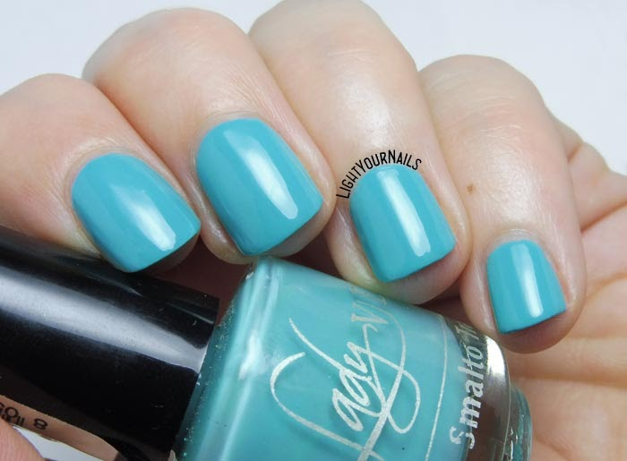 Smalto mini azzurro Lady Venezia Travel 04 mini blue nail polish #nails #unghie #ladyvenezia #lightyournails