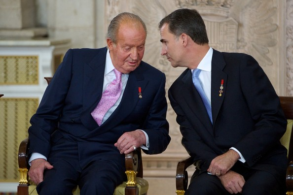 The reign of King Juan Carlos of Spain is in its final hours after he signed the bill formally abdicating in favour of his son, Prince Felipe