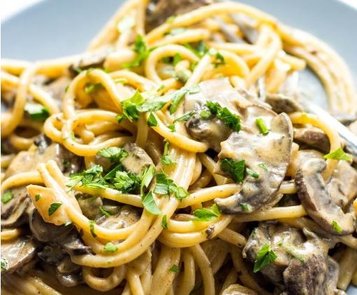 Mushroom Stroganoff #vegan #noodle
