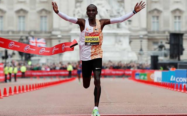 Eliud Kipchoge marca un 2:02:37 en la Maratón Londres 2019