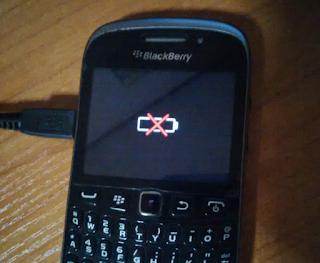 Solusi cepat atasi HP Blackberry baterai silang