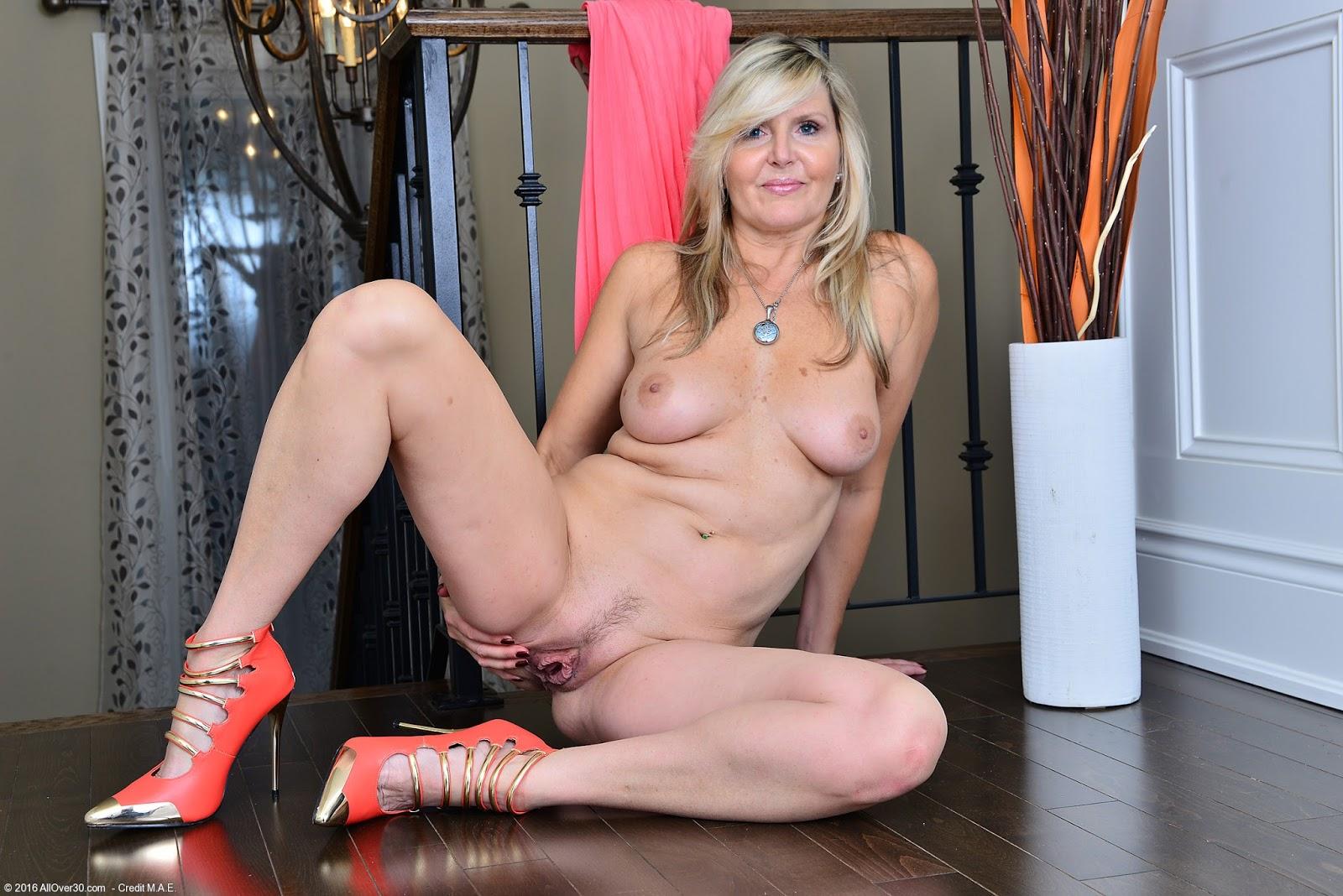 Blonde gallery heel high mature naked wearingtures 3