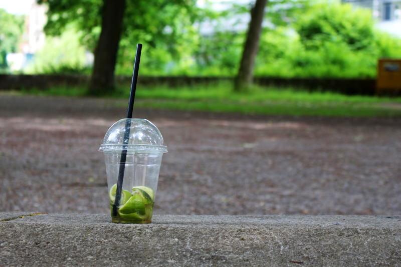 Copo descartável de plástico