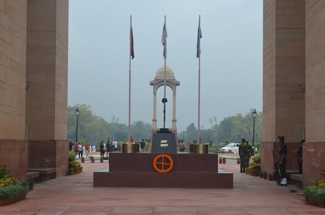 Amar Jawan Jyothi, India Gate, Delhi