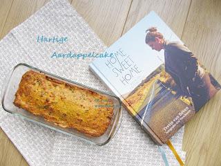 In Home Sweet Home deelt Yvette van Boven met ons haar Ierse herinneringen aan het comfort food waarmee zij is opgegroeid. Met dit boek laat zij de culinaire rijkdom en gastvrijheid van Ierland zien en proeven. Oude kooktradities worden gecombineerd met de moderne keuken. Proef vanavond al een stukje Ierland met deze Hartige Aardappelcake van Yvette van Boven!