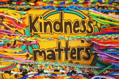 be+kind - Kindness Matters : Friendship Bracelets for Haiti