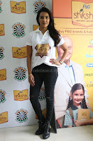Actress Priya Anand in T Shirt with Students of Shiksha Movement Events 22.jpg