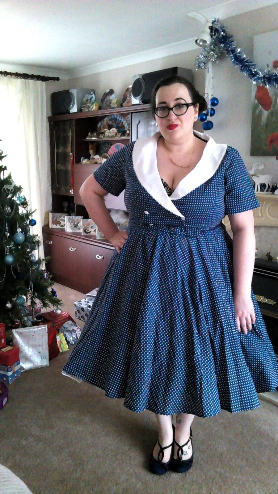 12 Days Of Christmas Dresses #7 - Does My Blog Make Me ...