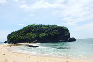 Penjelasan Pantai Batu Bekung Malang