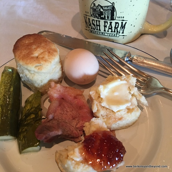 breakfast plate at Nash Farm in Grapevine, Texas