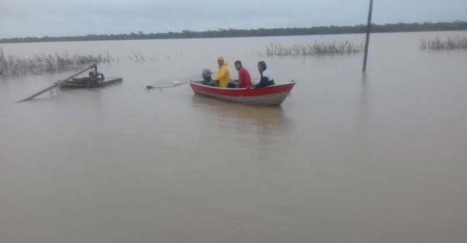 Barco vira no Rio São Francisco e deixa desaparecidos em Xique-Xique