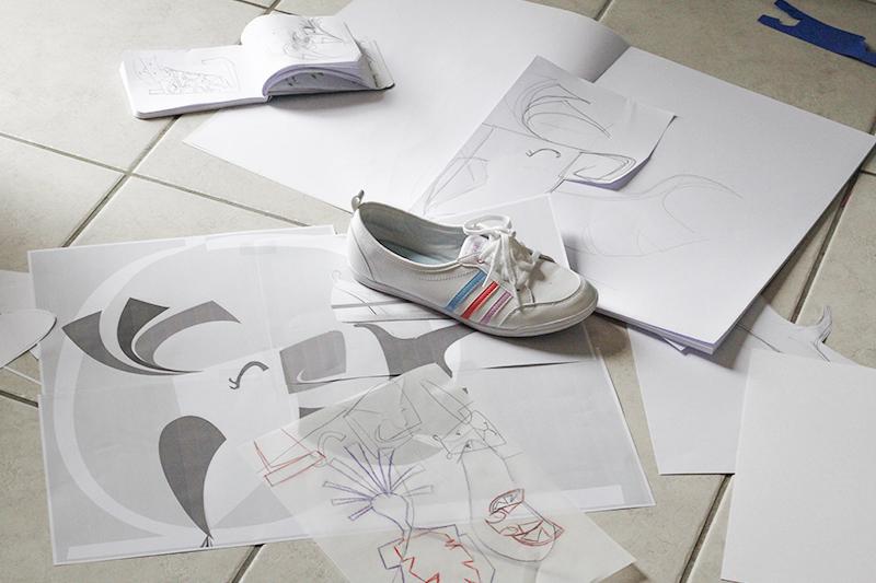 Recherche, crayonné, dessin papier au bureau
