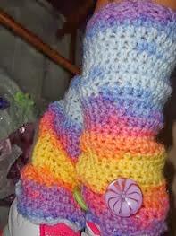 http://translate.googleusercontent.com/translate_c?depth=1&hl=es&rurl=translate.google.es&sl=en&tl=es&u=http://www.niftynnifer.com/2013/09/free-girls-leg-warmers-crochet-pattern.html&usg=ALkJrhgLuIhjs4rU-WJBbVIHx5L7Q2T6Hw