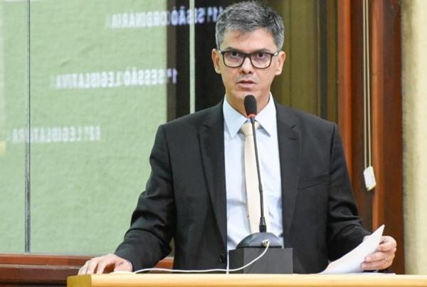 """""""Governo parece brincar com candidatos do concurso da PM"""", diz coronel Azevedo"""