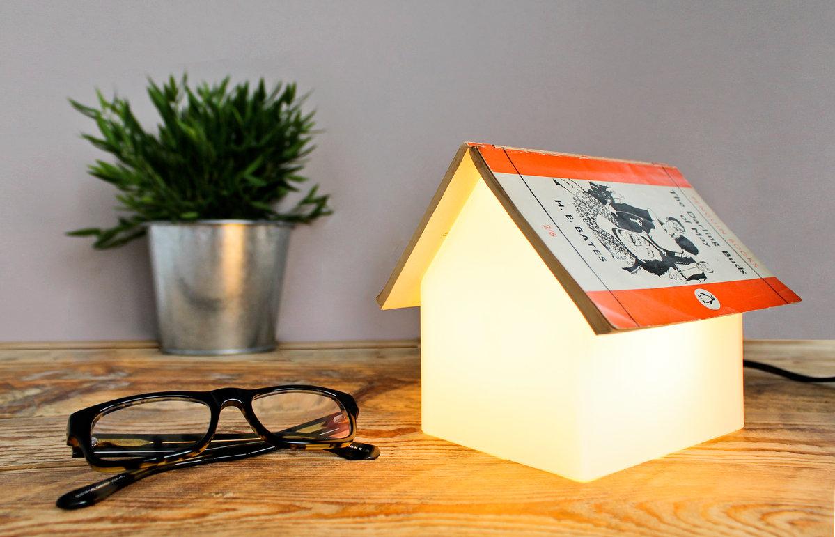 Suck book lamp