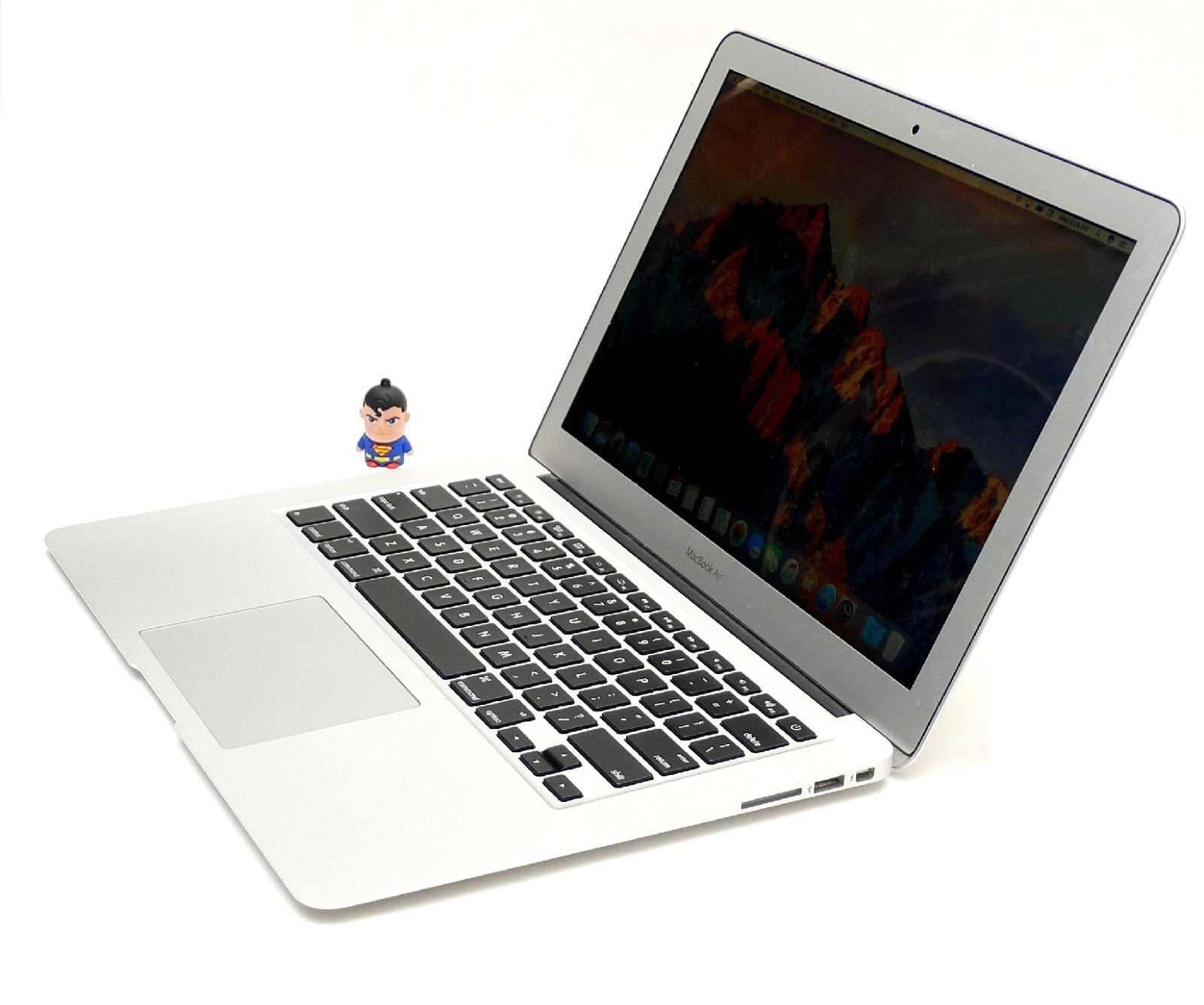 MacBook Air Core i1 - 1-inch, Early 1 Di Malang  Jual Beli
